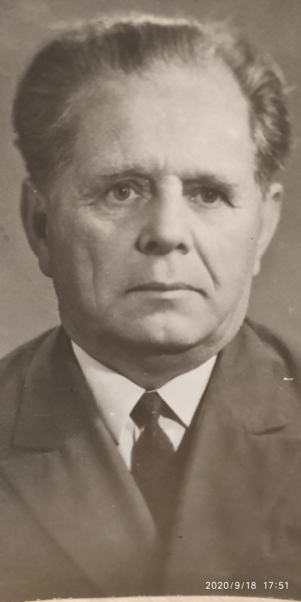 Кравченко, Антон Васильевич. Director de la casa de Jerson