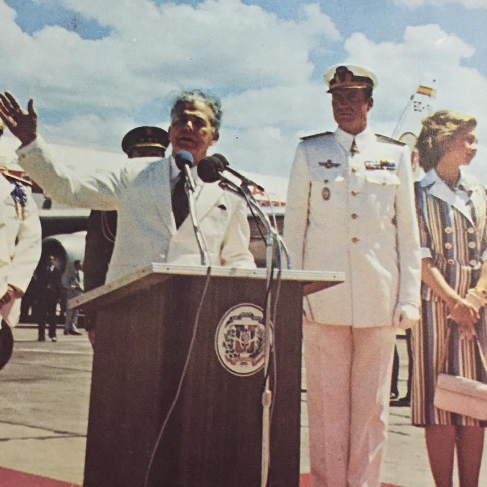 Joaquín Balaguer, presidente de la República Dominicana, con Juan Carlos y Sofía. 1976. Historia Dominicana en Gráficas (Facebook)