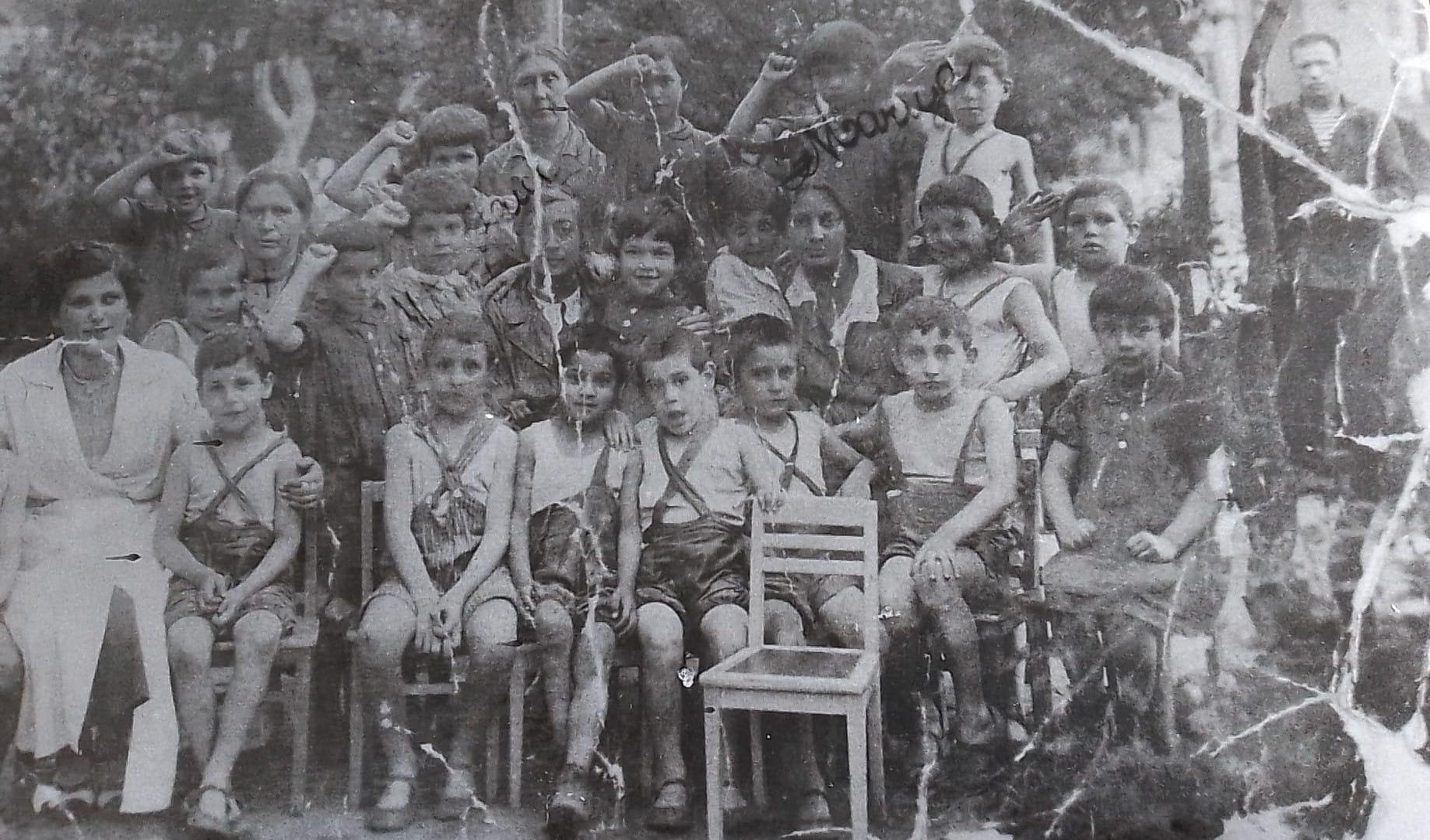 Niños y educadores, Pushkin, Leningrado