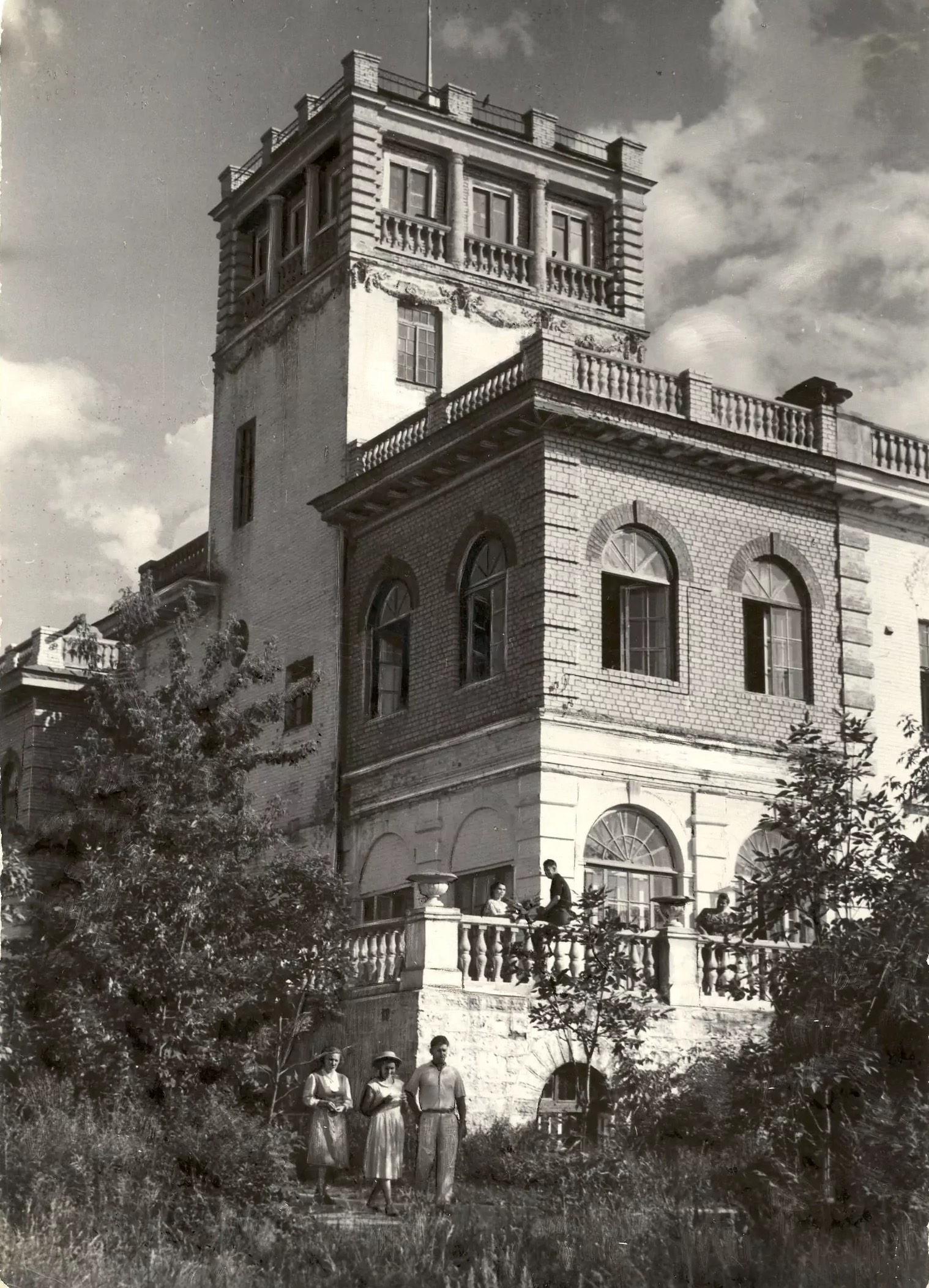 Dacha Shikhobalov, de estilo italianizante