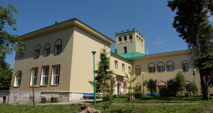 Dacha de Shikhobalov (Шихобалова), en su estado actual